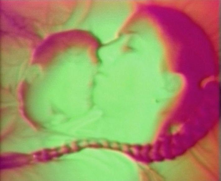 """Kunsthaus Zürich präsentiert Neuerwerbungen 2001: Videokunst und """"Susi-Shop"""" von Mickry 3"""