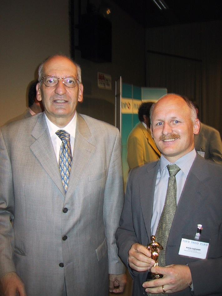 Lesen.ch mit KMU Oscar 2001 ausgezeichnet