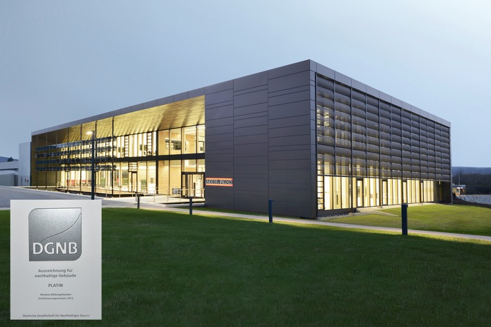 """""""Energy Campus"""" mit Platin-Zertifikat ausgezeichnet (DGNB) / Herausragendes Beispiel nachhaltiger Architektur"""