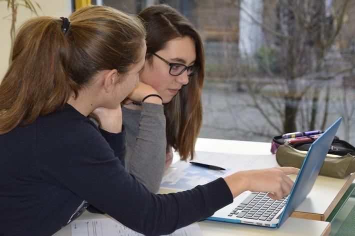 Avventura Croce Rossa - un'idea cambia il mondo. La Croce Rossa Svizzera lancia il suo portale online dedicato alle scuole.