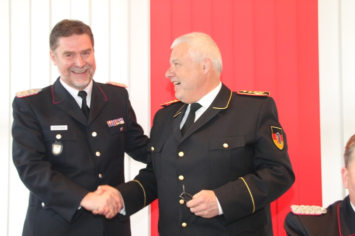FW-LFVSH: Brandeilig: Nicht zusehen - sondern aktiv mitmachen! Feuerwehren brauchen Nachwuchs