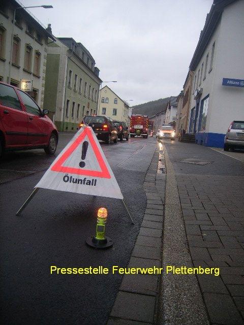 FW-PL: 2 Ölspuren am Montagmorgen in Plettenberg
