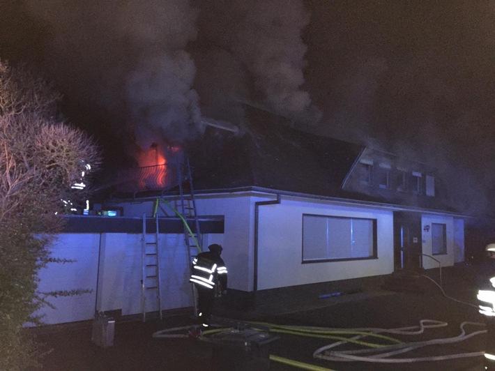 POL-PDKO: Dachstuhlbrand in Andernach - eine Person leicht verletzt