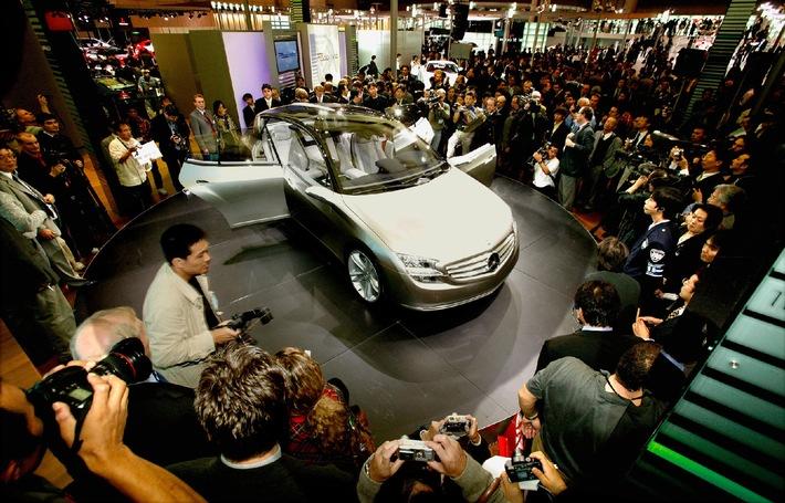 Neues Mercedes-Forschungsfahrzeug F 500 Mind zeigt Automobiltechnologie von übermorgen