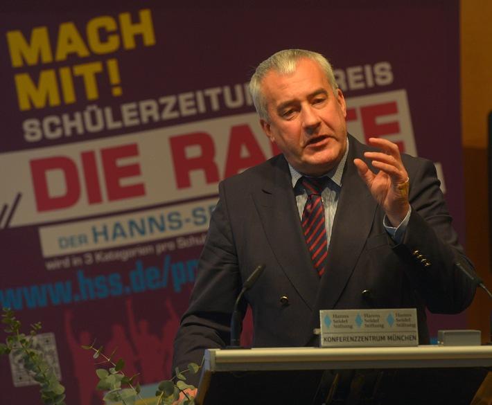Schülerzeitungspreis DIE RAUTE verliehen / Hanns-Seidel-Stiftung zeichnet fünfzehn bayerische Schulen aus