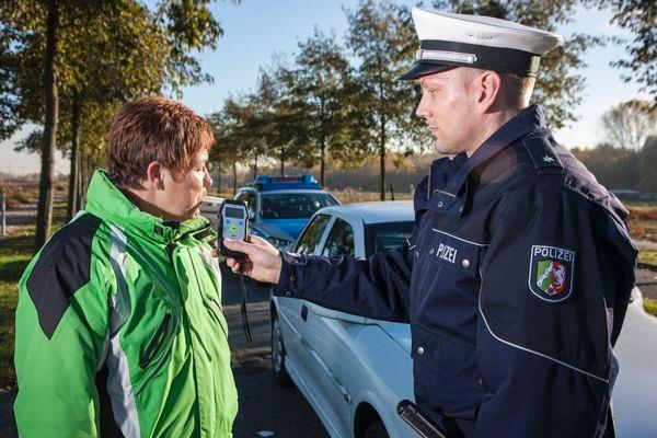 POL-REK: Zeuge verhinderte Weiterfahrt eines Betrunkenen - Hürth