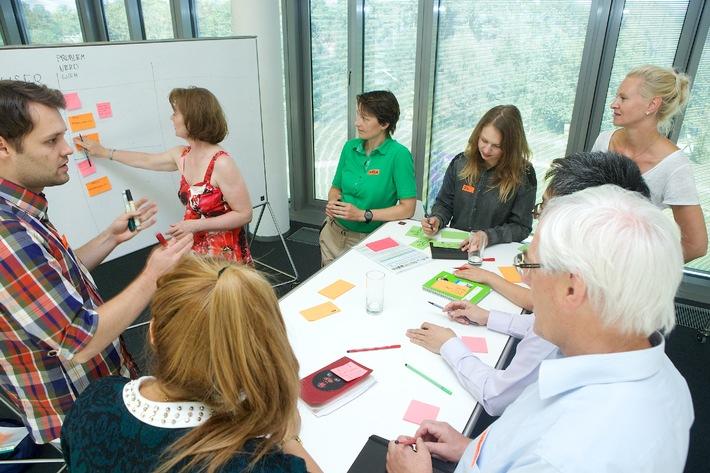 Hasso-Plattner-Institut trainiert Innovatoren im Managen von Komplexität mit Design Thinking