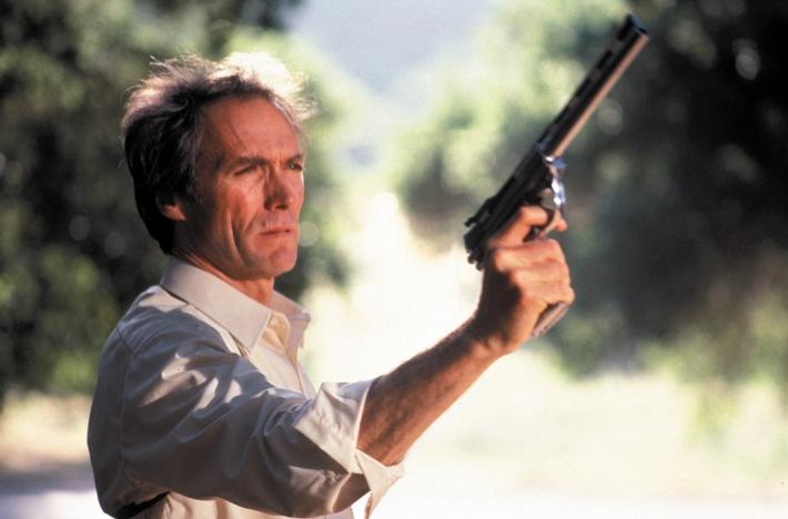 """Clint Eastwood: """"Ich bin ein sehr romantischer Mann"""" // Der Filmmacho im Tele 5-Interview: """"Als Kind war ich oft sehr einsam"""""""