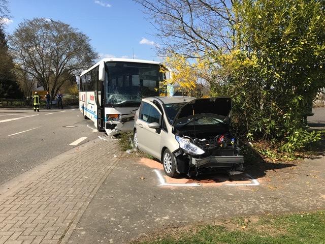 """POL-PDMT: Nachtrag zur Vorabmeldung """"Schwerer VU zwischen einem Omnibus und einem PKW"""" vom gestrigen Tag"""