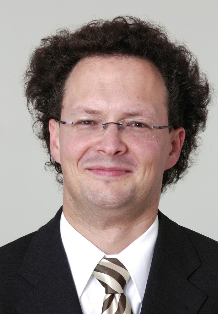 KPMG Lehrstuhl für Audit und Accounting besetzt - Zum Wintersemester 2005/2006 startet Prof. Peter Leibfried sein Engagement am neugeschaffenen Lehrstuhl der Universität St.Gallen