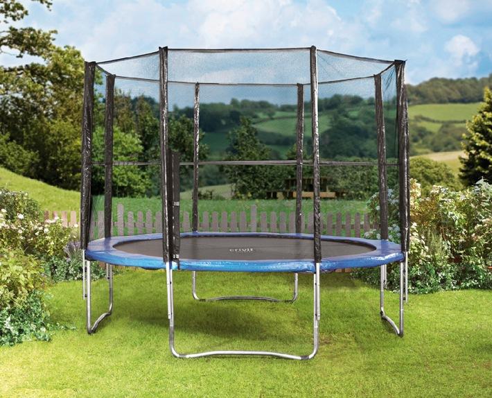 r ckruf trampolin mit sicherheitsnetz crivit sports medienmitteilung lidl schweiz. Black Bedroom Furniture Sets. Home Design Ideas