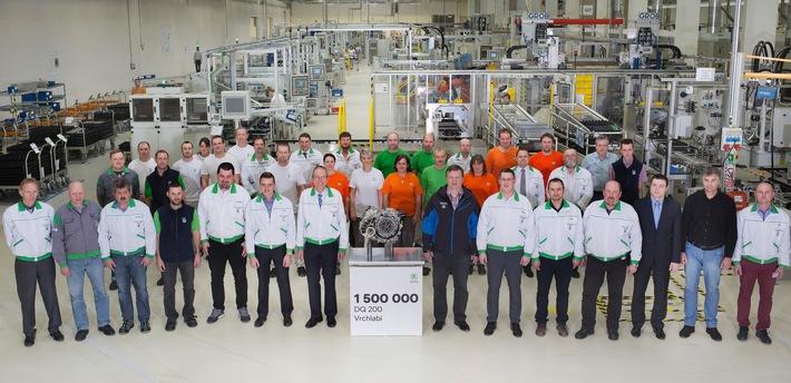 SKODA fertigt 1,5-millionstes DQ 200-Doppelkupplungsgetriebe im Werk Vrchlabi