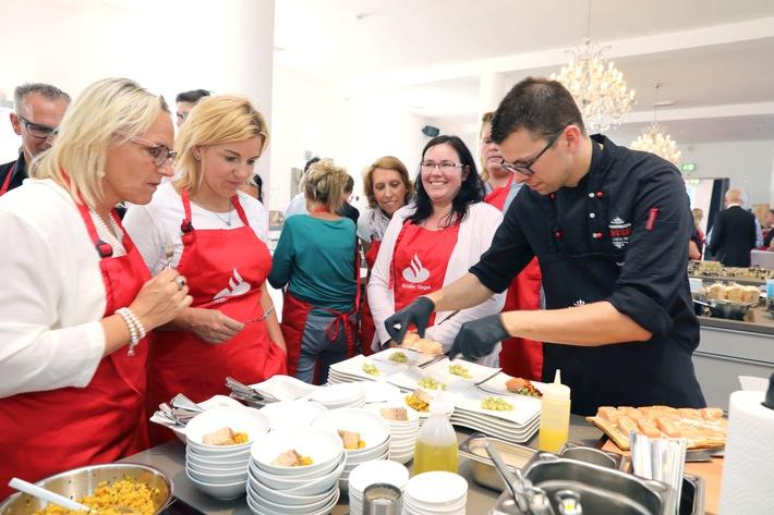 Erfolg durch Treue - Santander ehrt Jubilare