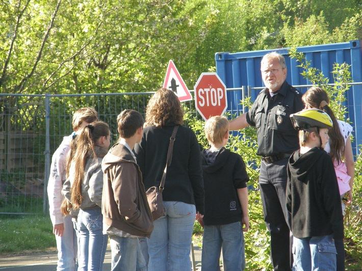 POL-CUX: Polizei in Cuxhaven verstärkt Kontrollen von Rädern und Radlern