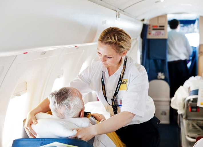 Das Einmaleins für unbeschwerten Urlaub / Gesund reisen: ADAC Ambulanzdienst rät zur umfassenden Vorsorge / Hygiene wichtiger Schutz gegen Krankheitserreger