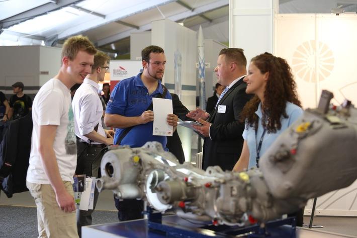 Deutschlands größte Aerospace-Jobbörse am Start / Das ILA CareerCenter informiert an den Publikumstagen über  Berufschancen in allen Feldern der Luft- und Raumfahrt