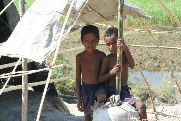 CARE-Bericht und Blog zur Flutkatastrophe in Bihar (Indien) Lage nach wie vor extrem angespannt / Mehr als 1000 Tote