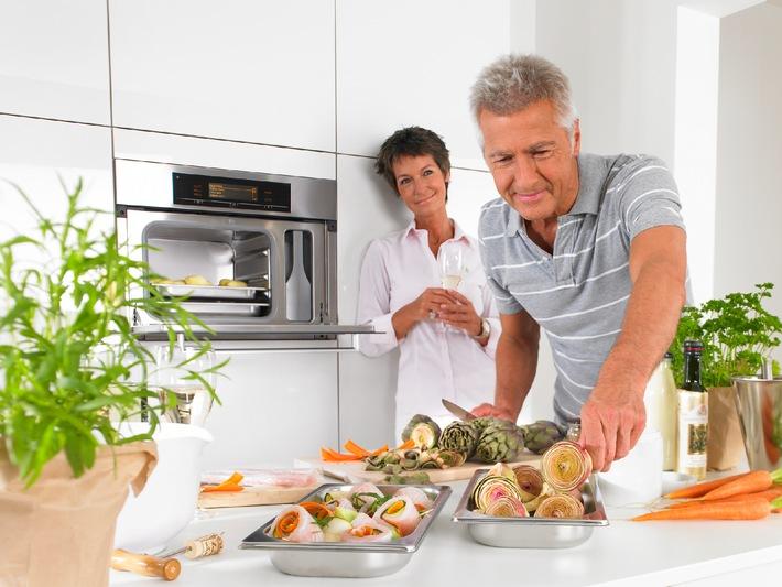 Zur IFA sind Dampfgarer der große Trend bei Kochgeräten / Gesundes Dampfbad für Fisch und Gemüse