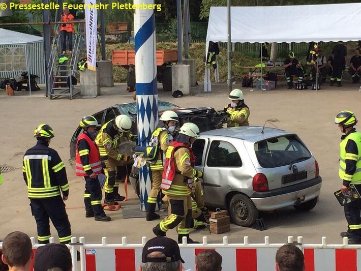 FW-PL: Zwei schwer verletzte Patienten durch TRT-Team der Feuerwehr Plettenberg  gerettet