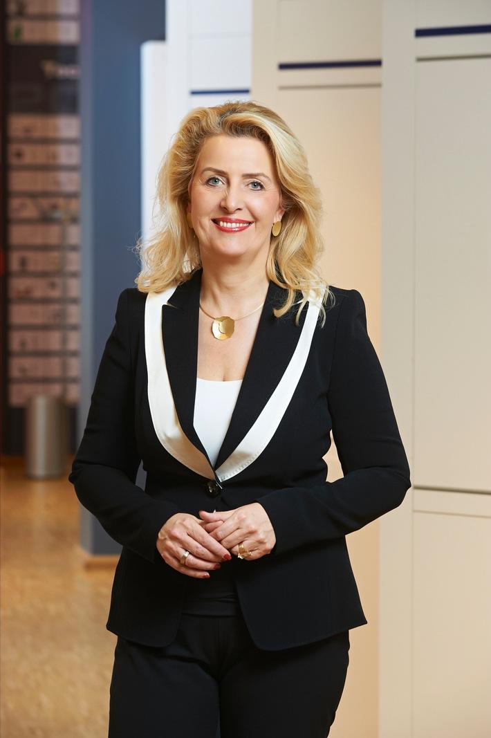 Gleichstellungspreis für Annette Stieve / MESTEMACHER PREIS MANAGERIN DES JAHRES 2016 - 15. Preisverleihung (2002 bis 2016)