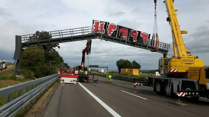 Abbauarbeiten der Brücke