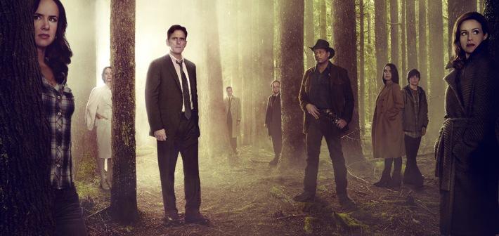"""Größter weltweiter Start einer TV-Serie """"Day and Date"""": 10-teilige Psychothriller-Serie """"Wayward Pines"""" ab 14. Mai auf Fox"""