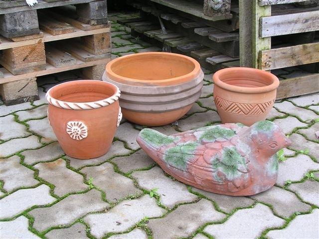 POL-SE: Wiemersdorf - Wer hat die Terrakottafiguren gesehen?