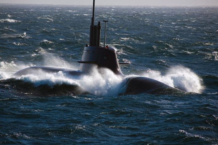 """""""U33"""" nimmt Kurs Richtung Mittelmeer"""