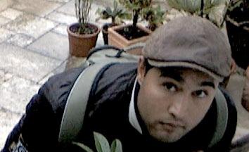 POL-D: Unterrath: Nach Einbruch in Einfamilienhaus - Polizei fahndet mit Foto nach dem Täter
