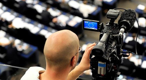 L'EUROVISION crée le premier débat télévisé en direct entre les candidats à la présidence de la Commission européenne