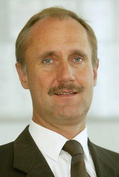 Aufsichtsgremien treffen weitreichende Personalentscheidungen: DEKRA Top-Management neu aufgestellt