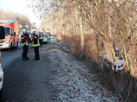 FW-GE: Internistischer Notfall führt zu einem Verkehrsunfall
