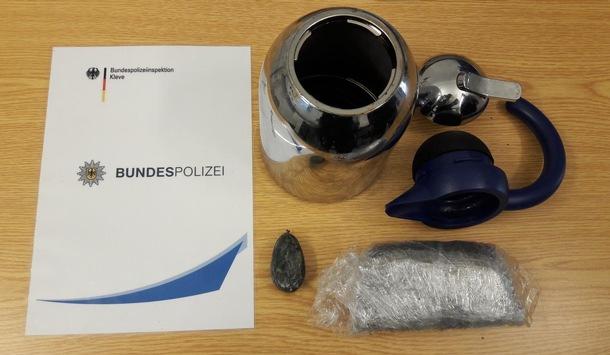 BPOL NRW: Bundespolizei kontrolliert Fahrradfahrer in Kranenburg / Wyler und findet Drogen in einer Kaffeekanne