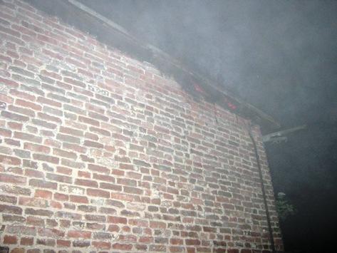 FW-AR: Arnsberger Feuerwehr macht bei Löscharbeiten hochexplosiven Fund