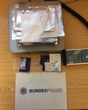BPOL NRW: Fahndungserfolg der Bundespolizei; Duo aus Kroatien und Mazedonien mit einem Kilogramm Amphetamin auf der Autobahn bei Straelen festgenommen