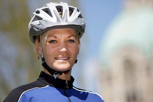 """POL-H: Radfahrersicherheitstag  2011 Clever unterwegs mit dem """"HANNOVERHELM"""""""