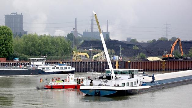FW-E: Binnenschiff reißt Überlandleitung ab, Stromausfälle in mehreren Stadtteilen, mehrere Brände in Elektrogeräten