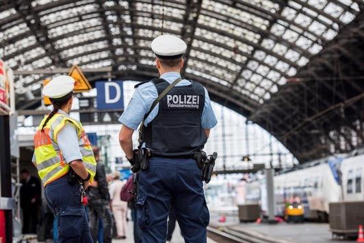 BPOL NRW: Exhibitionist im Regionalexpress; Festnahme durch Bundespolizei