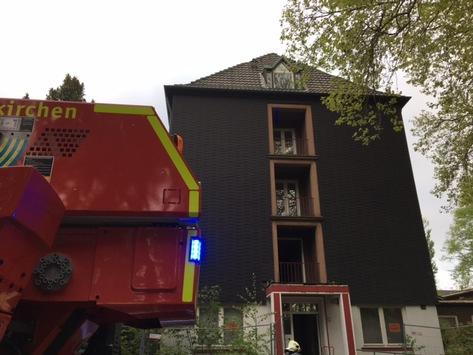 FW-GE: Feuer in leerstehendem Gebäude in der Knappschaftsstraße