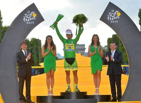 Christopher Froome gewinnt Tour de France - SKODA Glastrophäen für die Sieger