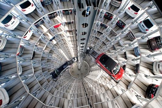 Die AutoTürme der Autostadt in Wolfsburg (mit Bild)