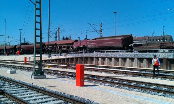 BPOLI S: Mehrere Güterwagen im Ulmer Güterbahnhof entgleist