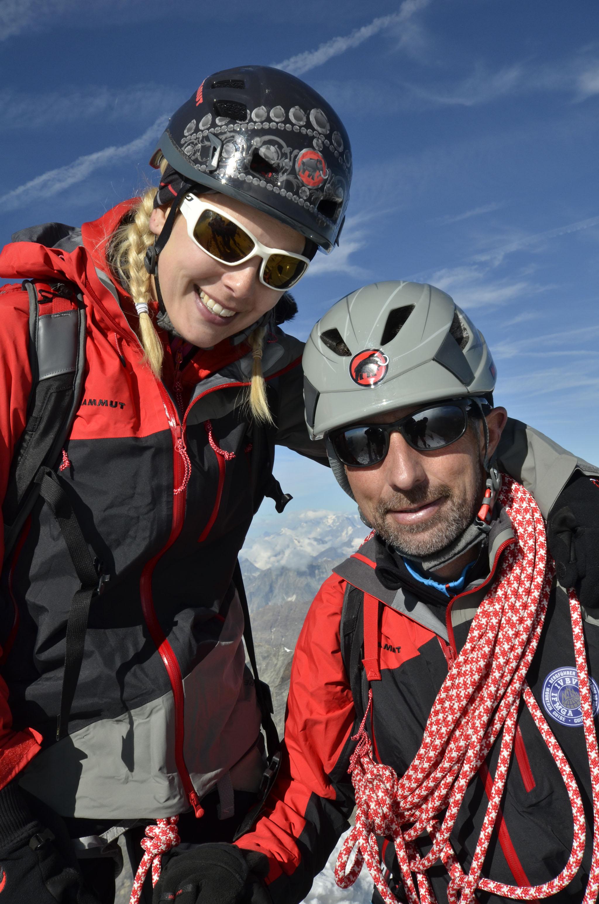 ▷ Geschafft! Ex-Miss CH Linda Fäh auf dem Matterhorn / «Es ist der ...