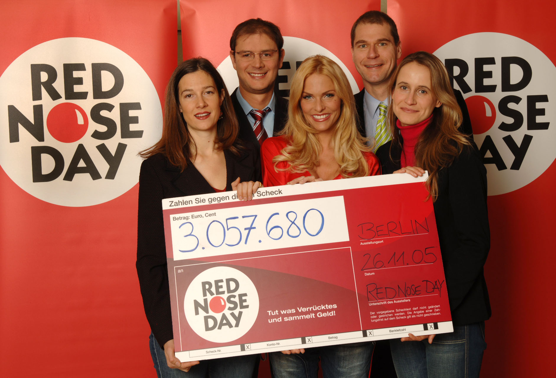 Red nose day 2005 ber drei millionen euro f r kinder in for Zdf moderatorin schlaganfall
