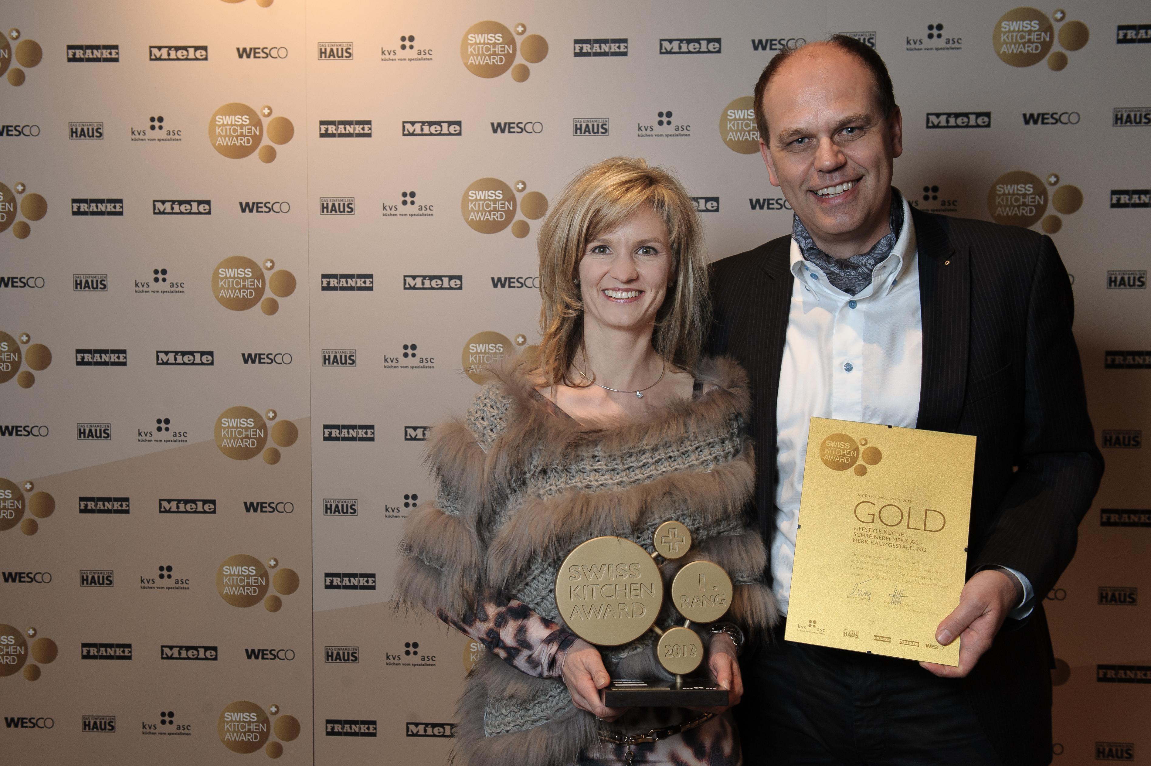 Merk raumgestaltung gewinnt den ersten swiss kitchen award for Raumgestaltung deutsch