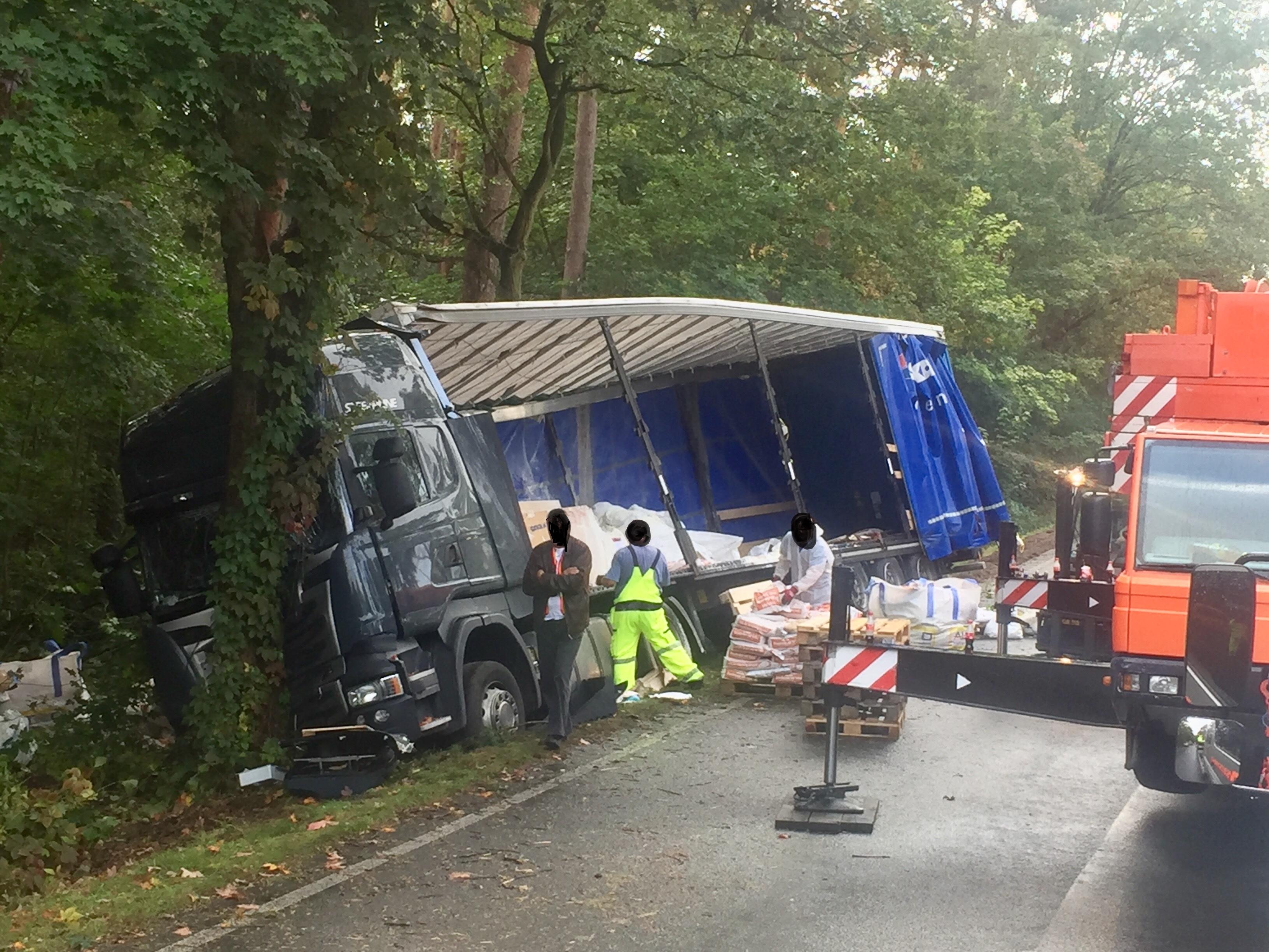 POL-CE: Celle/Wolthausen - LKW-Unfall auf der Bundesstraße 3 ...