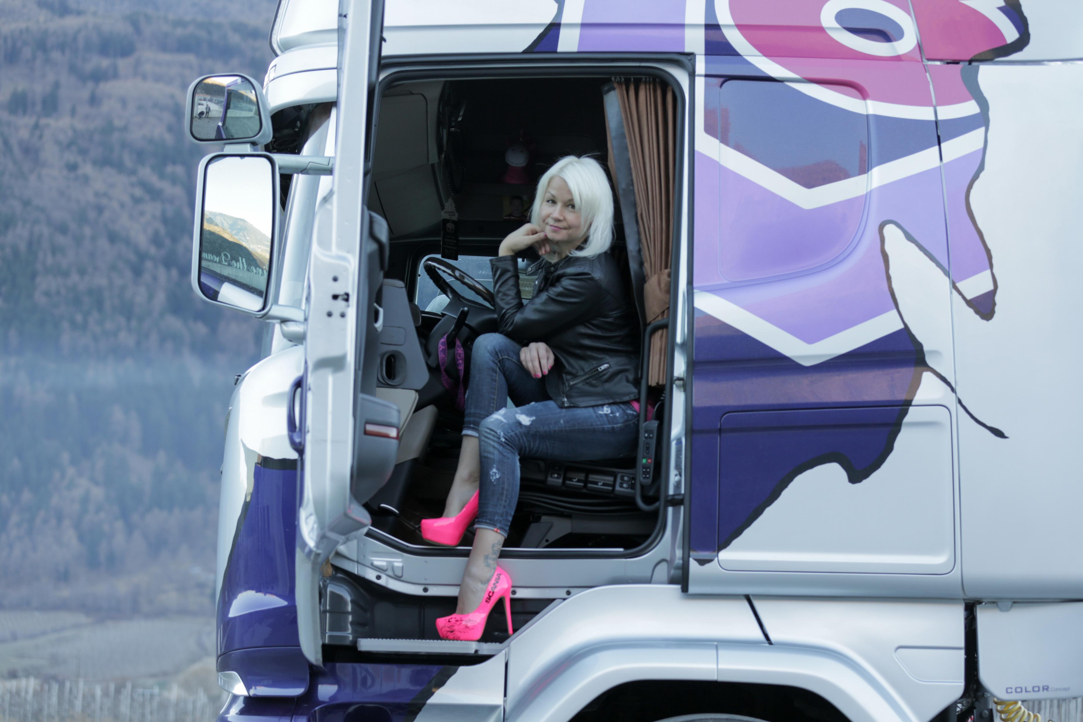 Trucker Babs