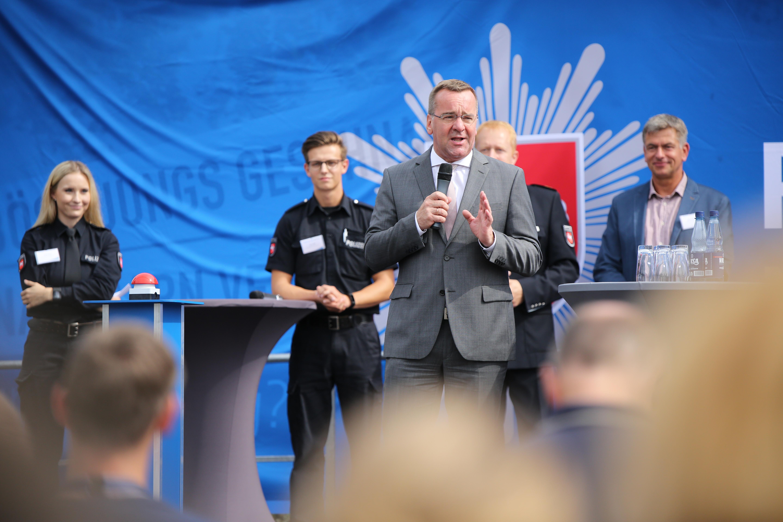 Pol Ak Ni Welcome Day Der Polizei Niedersachsen Ausgesprochen
