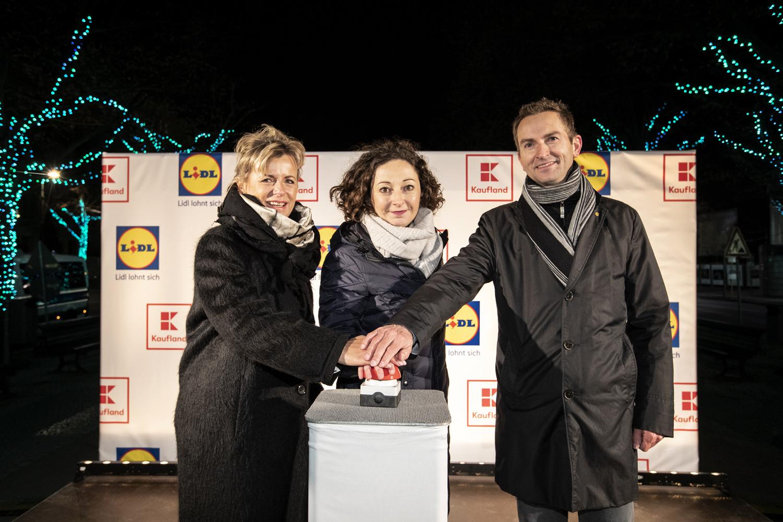 Lidl Weihnachtsbeleuchtung.Lidl Und Kaufland Bringen Die Linden Zum Leuchten Presseportal