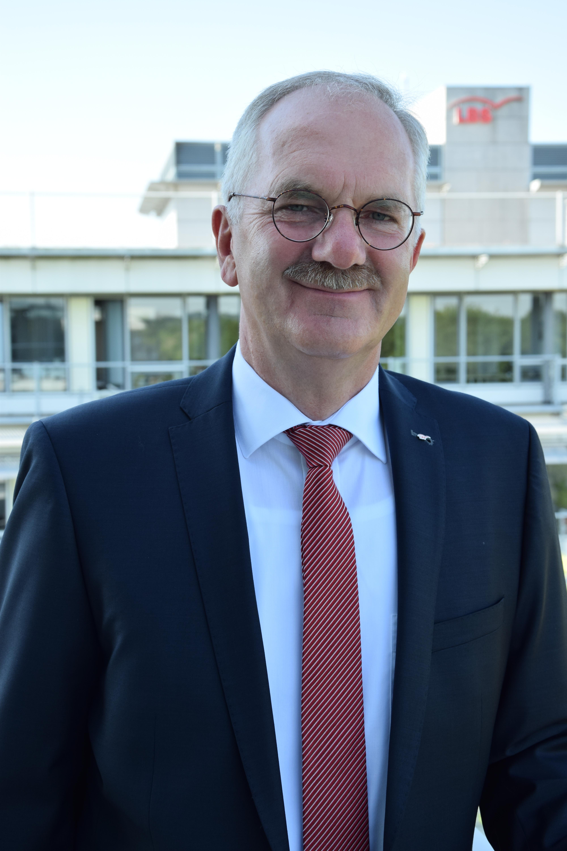 Lbs Ost Steigert Ergebnis 2018 Deutlich Bausparsumme Mit Elf
